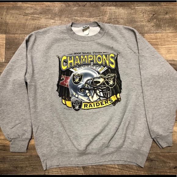 b06df960415 Lee Other - Vintage XL Men s NFL Oakland Raiders Sweatshirt